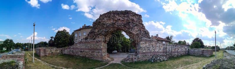 Antyczne Romańskie ściany Hisarya, Bułgaria obrazy stock