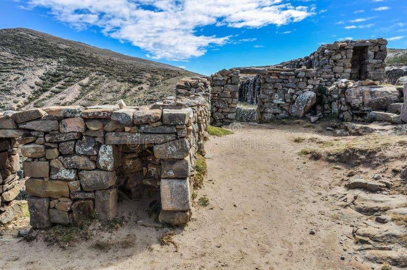 Antyczne ruiny na Isla Del Zol na Jeziornym Titicaca w Boliwia obraz royalty free