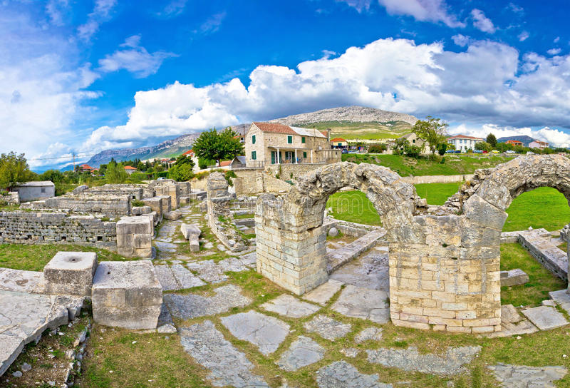 Antyczne ruiny Solin widok obrazy stock