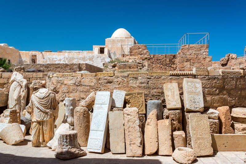 Antyczne statuy w Djerba, Tunezja zdjęcie stock