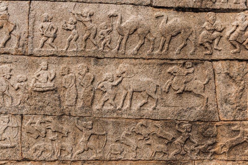 Antyczni bareliefs w świątyni, Hampi, Karnataka, India obrazy royalty free