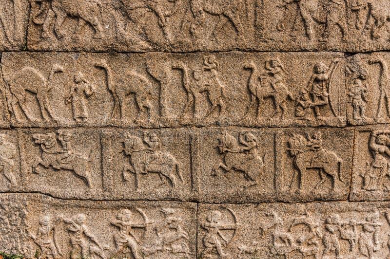 Antyczni bareliefs w świątyni, Hampi, Karnataka, India fotografia stock