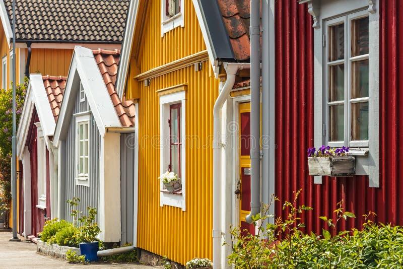 Antyczni drewniani domy w Karlskrona, Szwecja obrazy royalty free