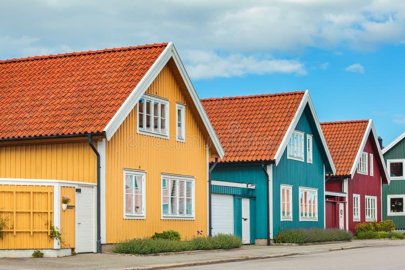 Antyczni drewniani domy w Karlskrona, Szwecja zdjęcie stock