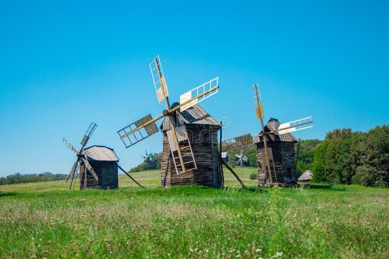 Antyczni drewniani wiatraczki zdjęcia royalty free