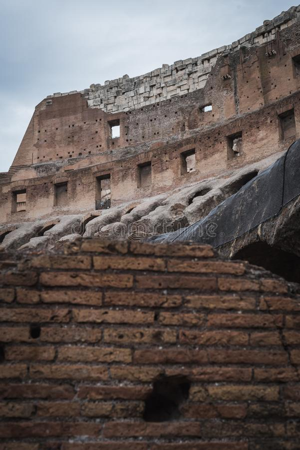 Antyczni kamienie wn?trze Colosseum w Rzym obrazy royalty free