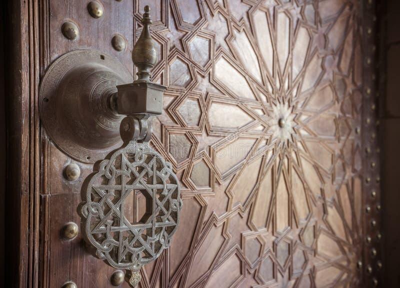 Antyczni marokańscy drzwi fotografia royalty free