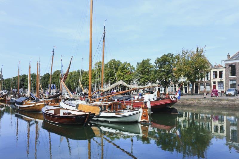 Antyczni naczynia w schronieniu, Zierikzee, Holandia obraz royalty free