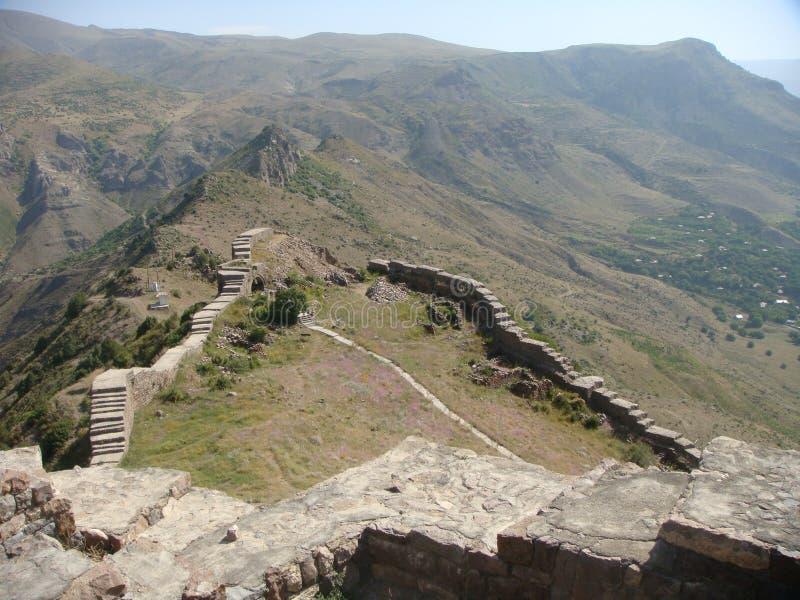 Antyczni odpoczynki hart Smbataberd w Armeńskich górach fotografia stock