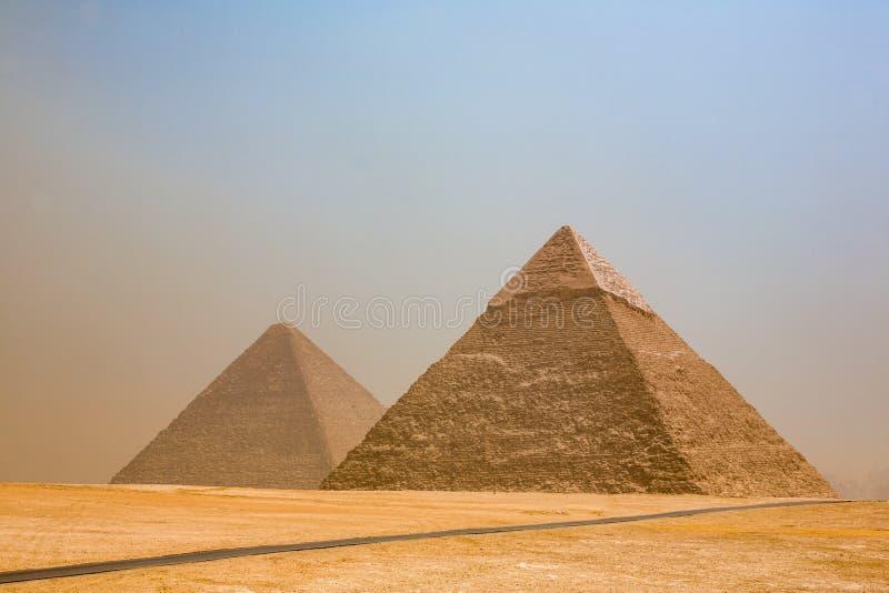 Antyczni ostrosłupy Giza zdjęcia stock