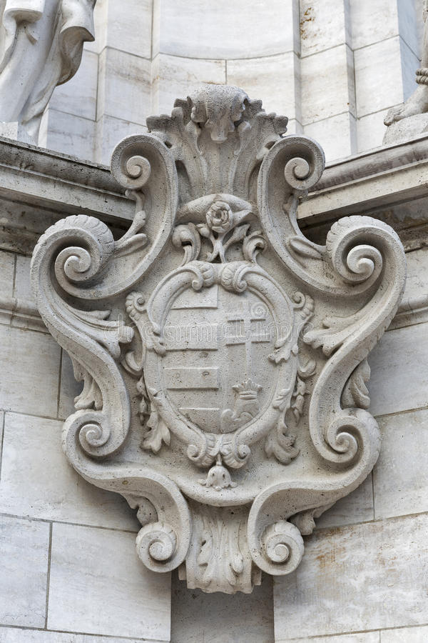 Antyczny żakiet ręki na Świętej trójcy kolumnie, Budapest, Węgry obraz stock