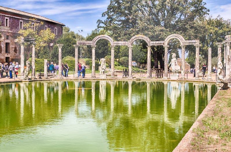 Antyczny basen dzwonił Canopus w willi Adriana, Tivoli fotografia stock