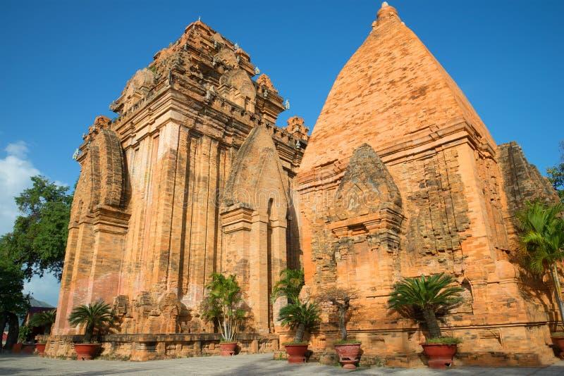 Antyczny Cham góruje świątynnego kompleks Po Nagar nha trang Vietnam obrazy royalty free