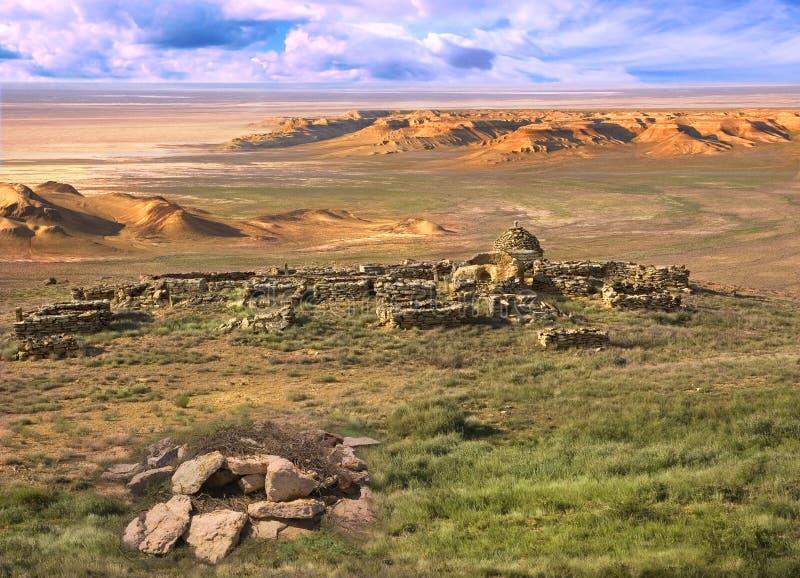antyczny cmentarniany muzułmański plateau Ustyurt fotografia royalty free