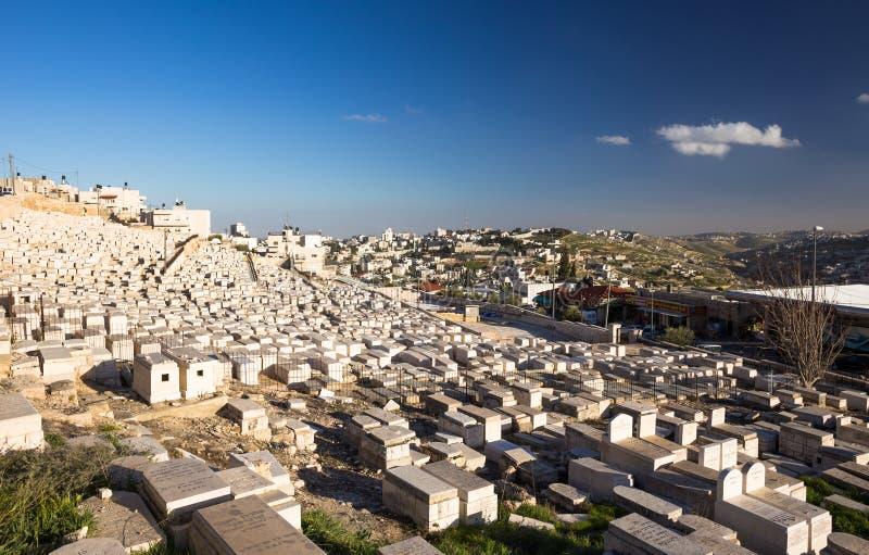 Antyczny cmentarz w Jerozolima przy pogodnym wieczór fotografia stock