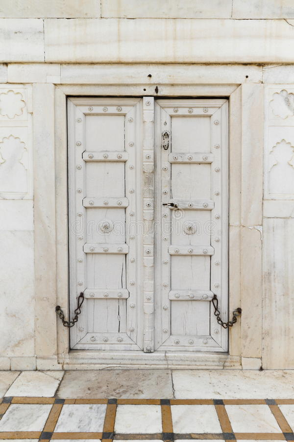 Antyczny Drewniany drzwi Przy Taj Mahal fotografia royalty free