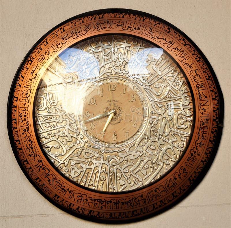 Antyczny groszaka zegaru zakończenie up arabski religia zegarek obraz stock