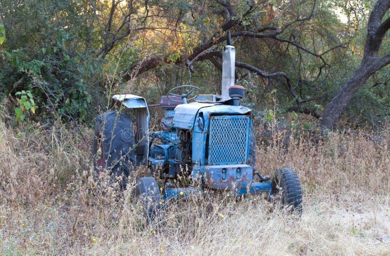Antyczny Islandzki ciągnik, retro rolnictwo maszyneria fotografia royalty free