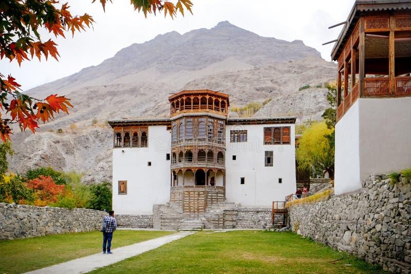 Antyczny Khaplu pałac w jesieni Ghanche Gilgit Baltistan Pakistan zdjęcie stock