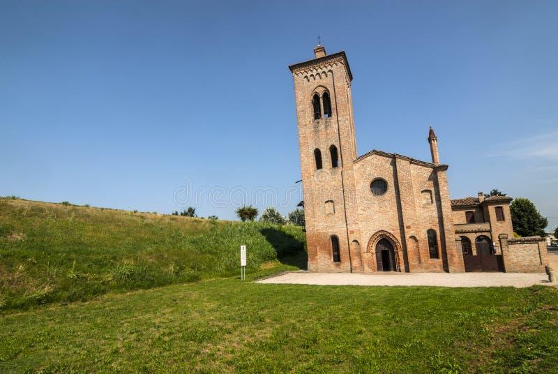 Download Antyczny Kościelny Pobliski Felonica Obraz Stock - Obraz: 28558681
