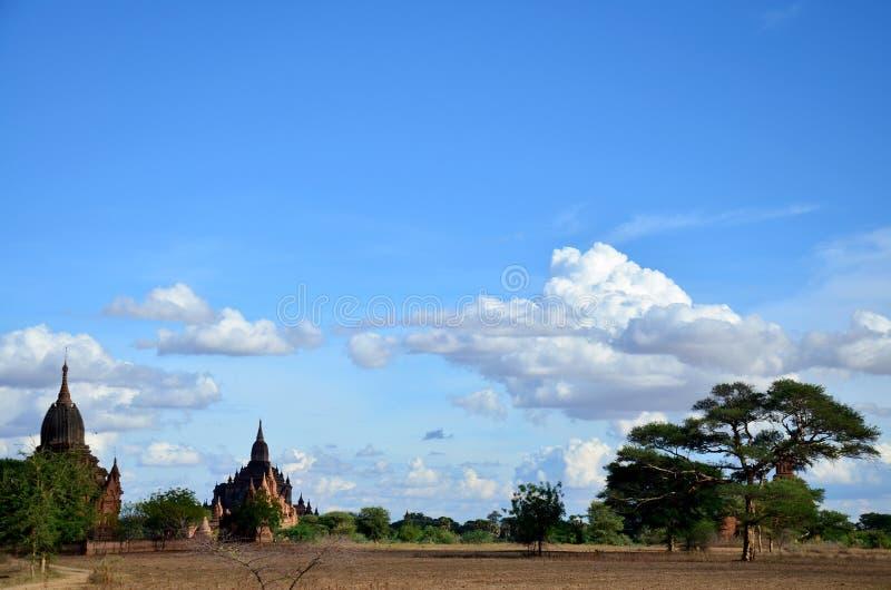 Antyczny miasto w Bagan, Myanmar z nad, 2000 pagodami i świątyniami (poganin) fotografia stock