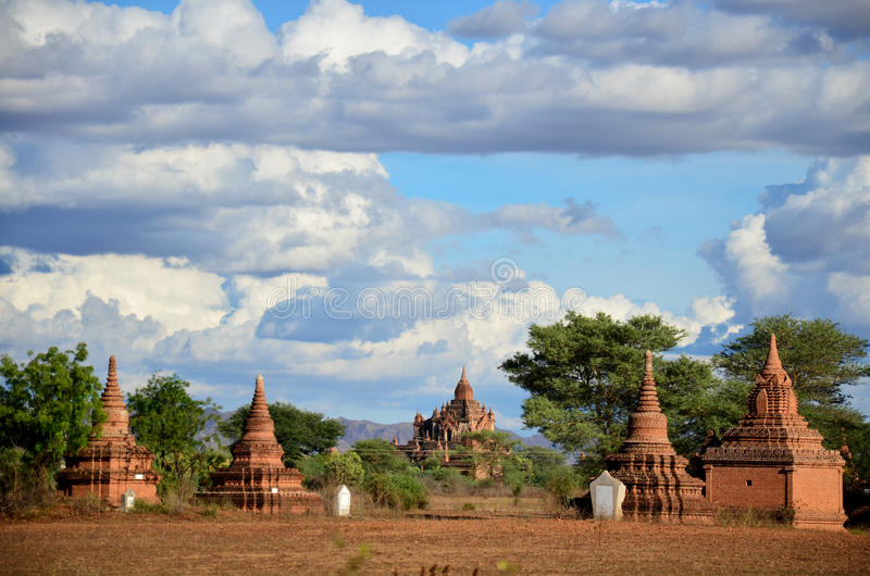 Antyczny miasto w Bagan, Myanmar z nad, 2000 pagodami i świątyniami (poganin) obrazy royalty free