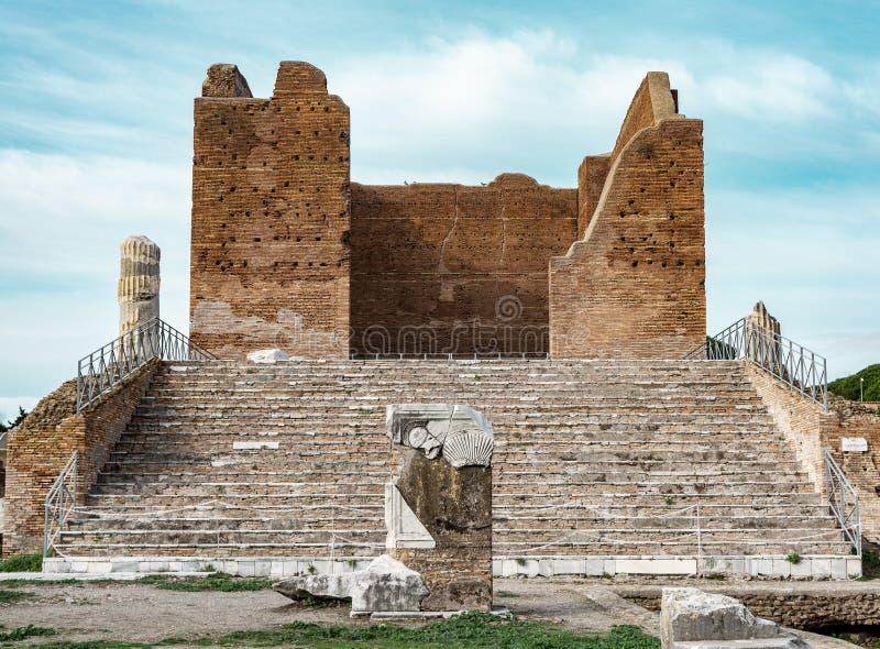 Antyczny momument w ostia antica Rzym fotografia royalty free