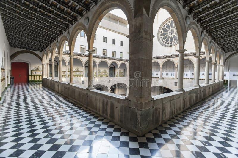 Antyczny podwórze, Pati Obsługuje, osiemnaście wiek, kulturalny centrum, Centre Estudis ja Recorsos culturals, El Raval ćwiartka, obraz royalty free