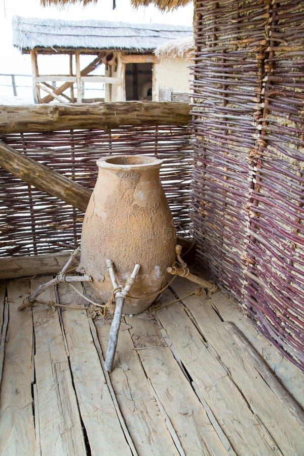 Antyczny prehistoryczny garnek obrazy stock