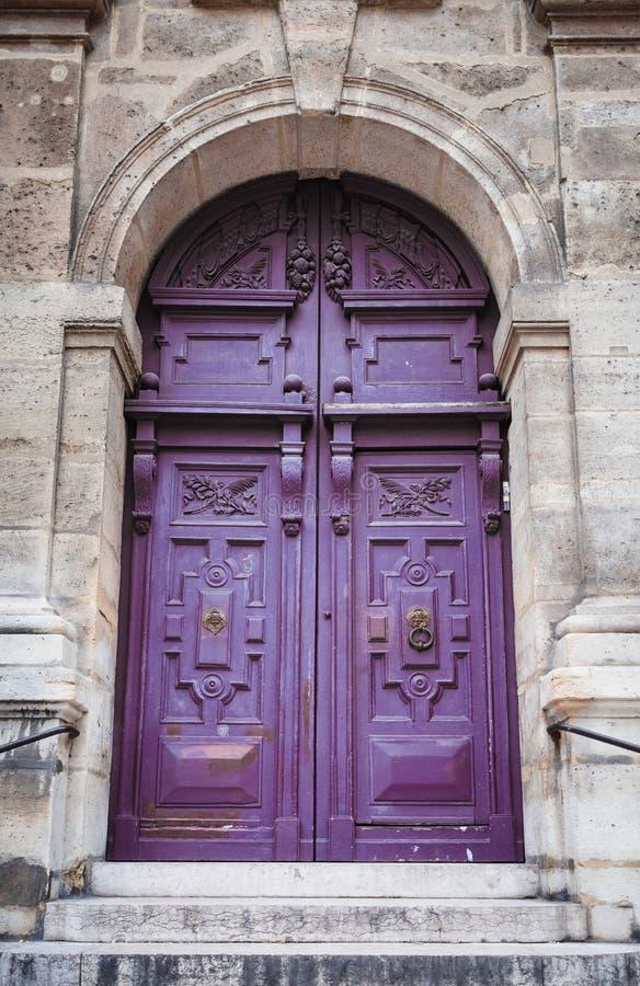 Antyczny purpurowy portal kościół St Stephen ` s Moun obrazy stock