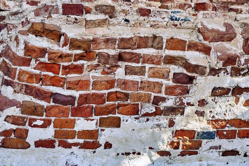 Antyczny szpotawy ściana z cegieł zniszczony kościół w rosjanina Joseph monasterze obrazy stock
