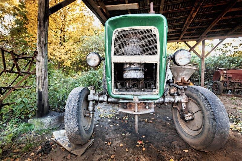 Antyczny, używać ciągnik, zdjęcie royalty free