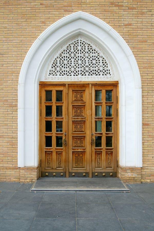 Antyczny wschodni arabski drewniany wejściowy drzwi fotografia royalty free