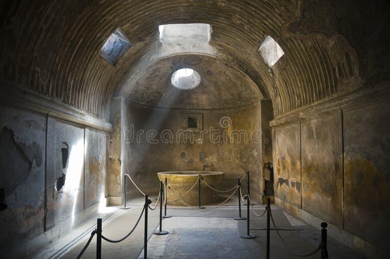 Antyków skąpania w Pompeii, Włochy obraz stock