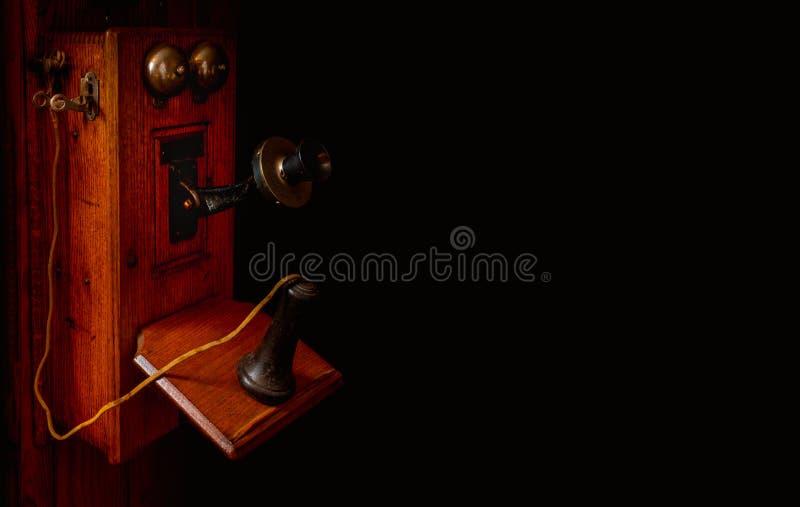 Antyk wspinający się korba telefon w kolorze obrazy stock