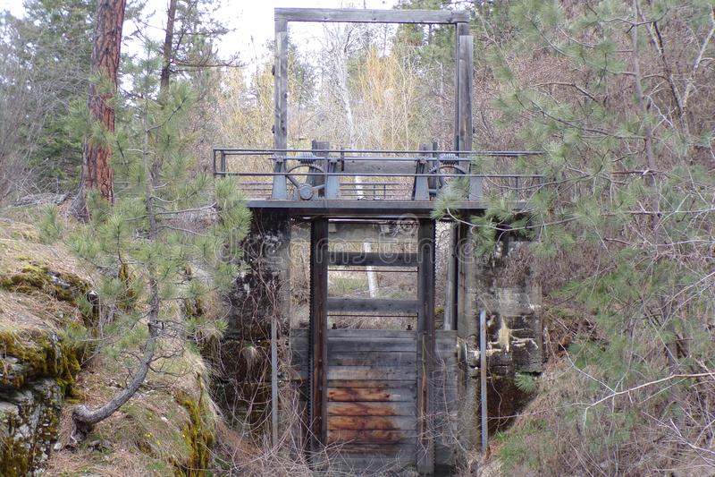 Antyka Wodny Spillway Budujący dla Use Na Spokane rzece obraz stock