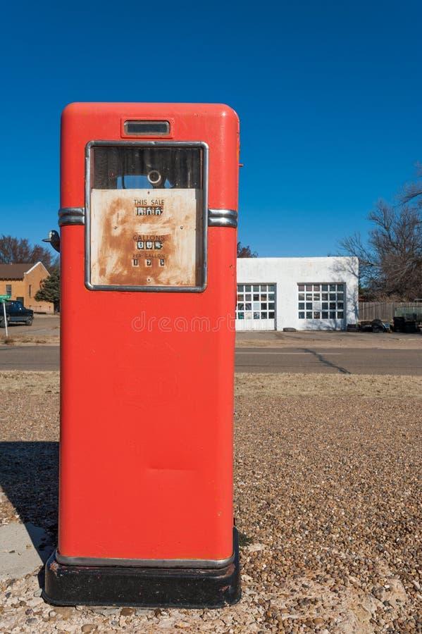 antykwarska benzynowa stacja obraz royalty free