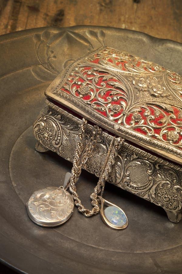 Antykwarski biżuterii pudełko fotografia stock