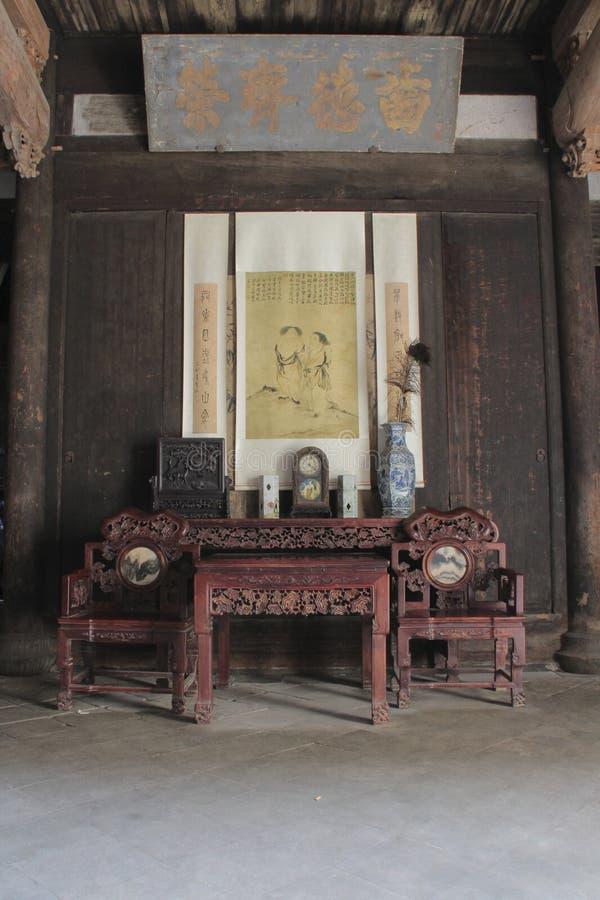 Antykwarski Chiński meble w historycznym budynku zdjęcia stock