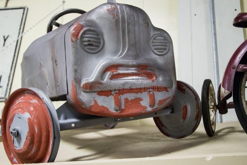 Antykwarski Collectible Zabawkarski samochód fotografia royalty free