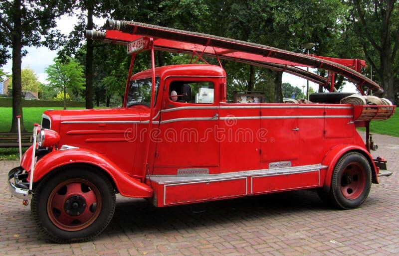 Antykwarski Firetruck czerwonego koloru holandie zdjęcia royalty free