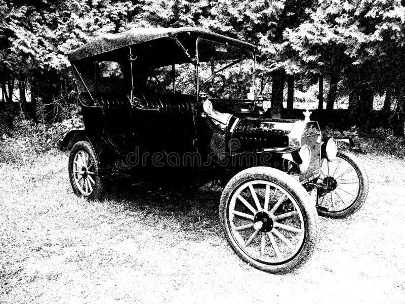 Antykwarski rocznika samochód parkujący w polu w czarnym & białym royalty ilustracja