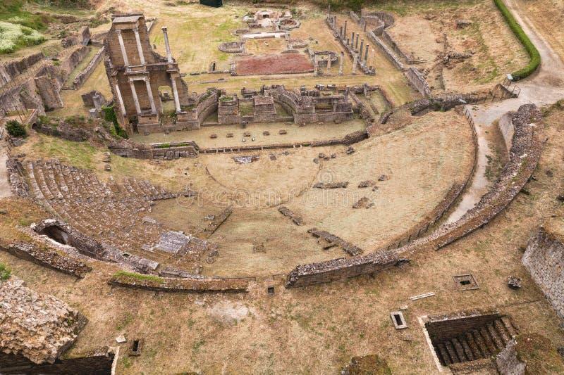 Antykwarski Romański teatr w Volterra, Tuscany, Włochy fotografia stock