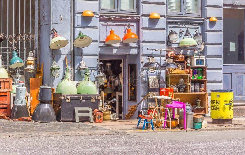 Antykwarski sklep na bruku w Kopenhaga obrazy stock