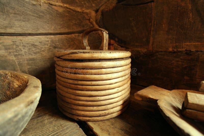 Antykwarskich drewnianych naczyń antyczny drewniany obraz royalty free