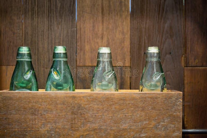 Antykwarskie szklane butelki ja zdjęcie royalty free