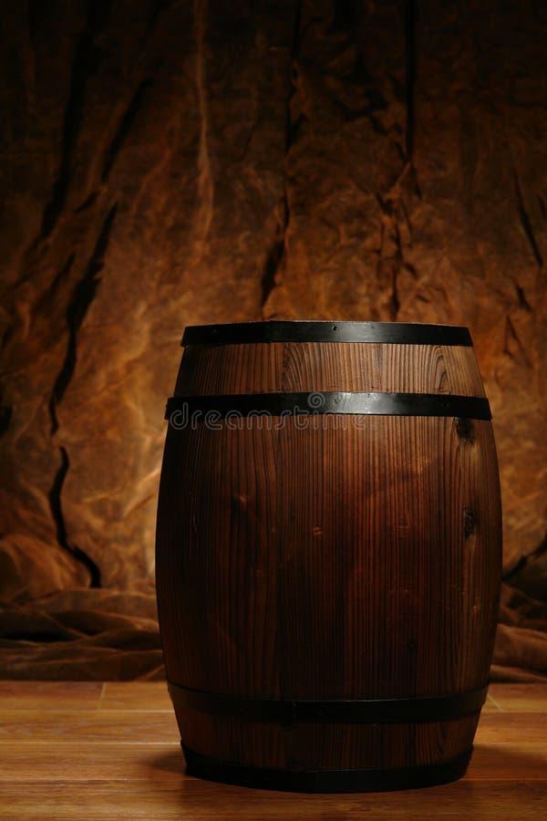 antykwarskiej lufowej beczki stary whisky wina drewno zdjęcia stock