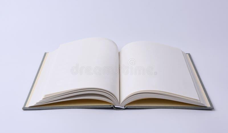 Anule o livro aberto - trajeto de grampeamento imagens de stock royalty free