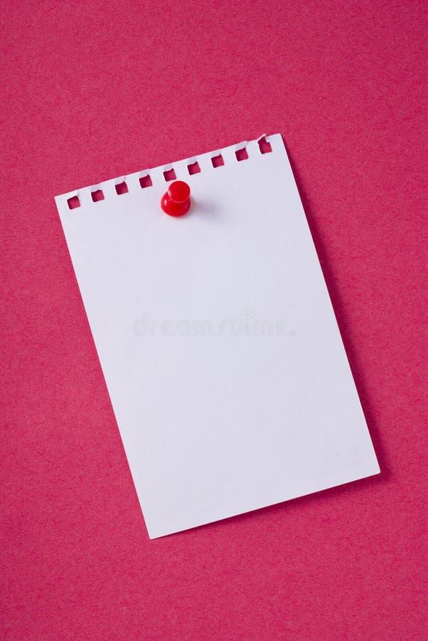 Anule o papel de nota com pino imagem de stock royalty free