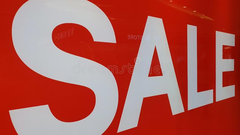 Anuncio de venta en centro comercial de Cebú, Filipinas fotografía de archivo